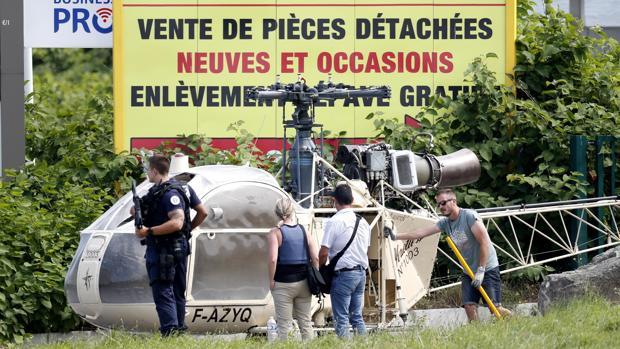 Un atracador legendario escapa en un helicóptero robado de una prisión en París