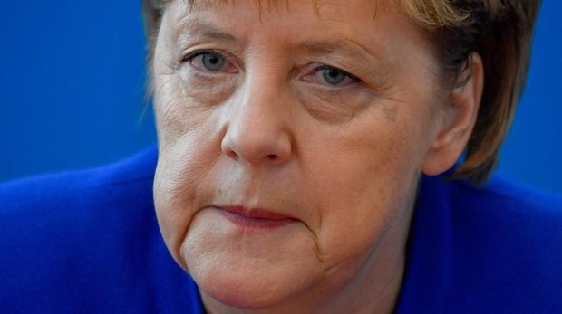 Merkel, al borde del precipicio político en Alemania