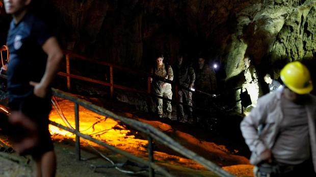 Luz al final de la caverna