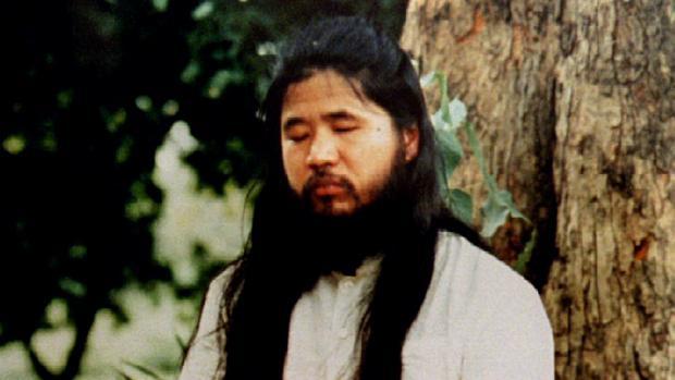Japón ejecuta al fundador de la secta Aum y cerebro del ataque con gas sarín