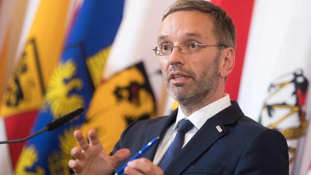 Austria propone que no se pueda pedir asilo en territorio de la UE