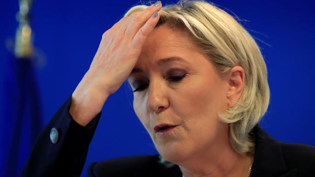 Marine Le Pen denuncia un golpe de Estado por la confiscación de fondos a su partido