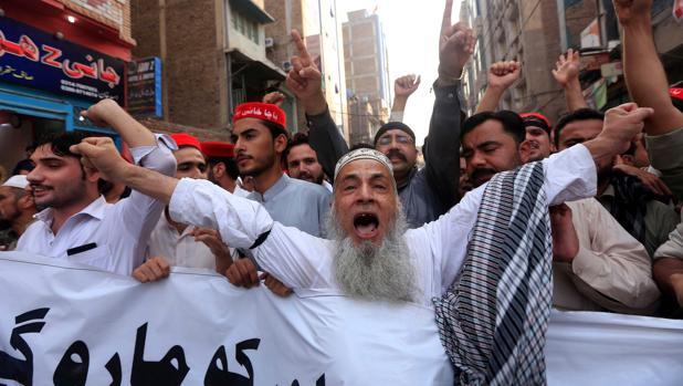 Protesta en Lahore por el atentado terrorista del pasado martes