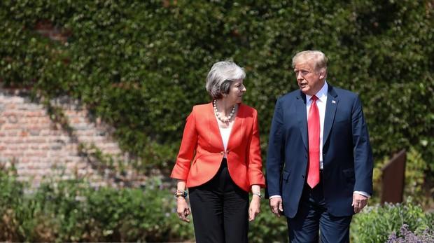 Trump califica de «fakes news» sus críticas al plan Brexit de May