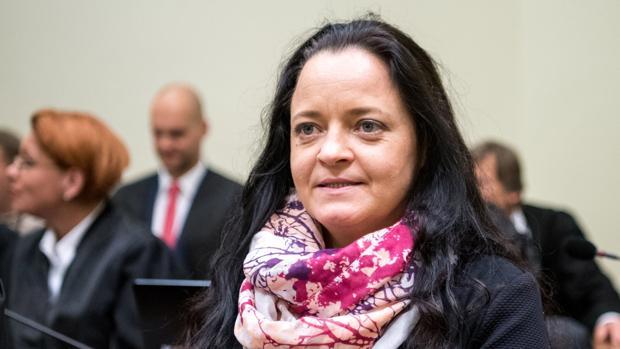 La Audiencia Territorial de Múnich ha condenado a cadena perpetua a Beate Zschäpe, única superviviente de Clandestinidad Nacionalsocialista (NSU), la célula terrorista neonazi que asesinó en Alemania a nueve inmigrantes (ocho turcos y un griego) y a una agente de policía entre 2000 y 2007