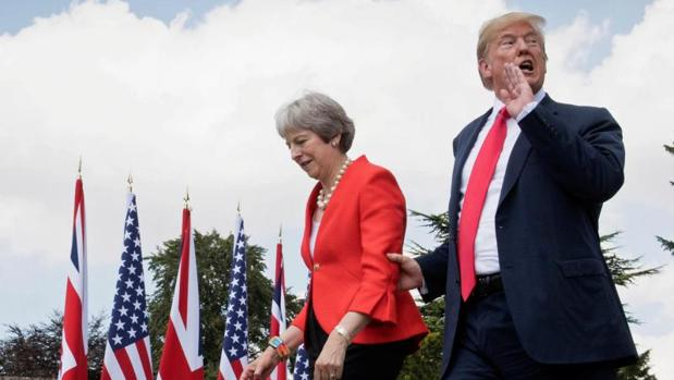 Trump aconsejó a May que demandara a la Unión Europea en lugar de negociar