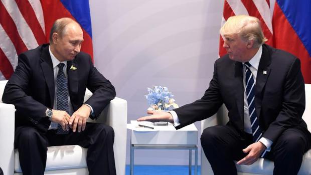Trump dice que la relación con Rusia está «peor que nunca» a horas de reunirse con Putin