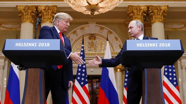 Putin y Trump no firman ningún acuerdo, pero se muestran encantados el uno con el otro