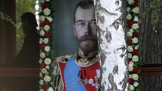 Marcha multitudinaria en memoria del último Zar de Rusia, asesinado hace cien años por los bolcheviques