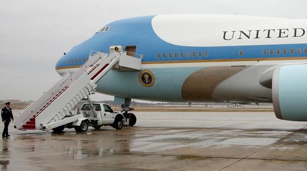 Trump anuncia que el nuevo Air Force One llevará los colores de la bandera de Estados Unidos