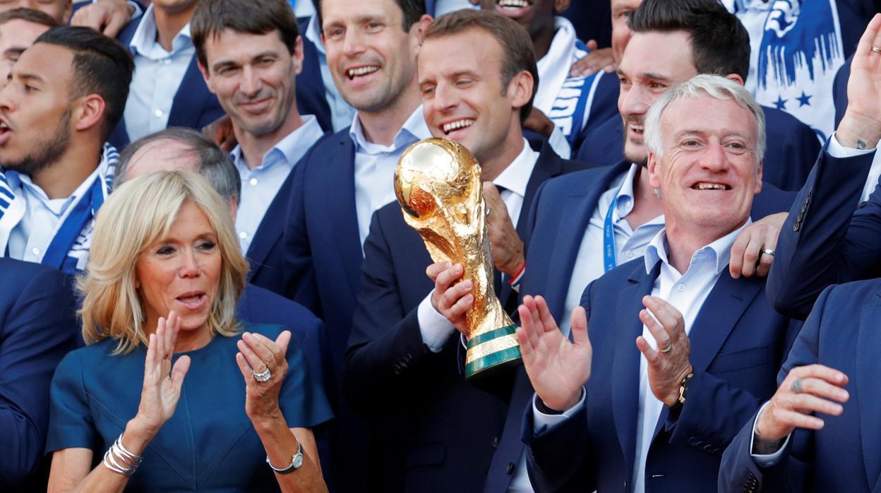 Macron no capitaliza su paso por el mundial de fútbol