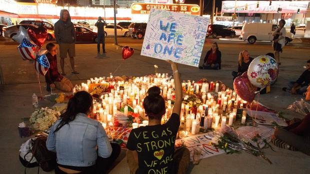 El hotel del tiroteo de Las Vegas, que dejó 58 muertos y más de 500 heridos, demanda a las víctimas