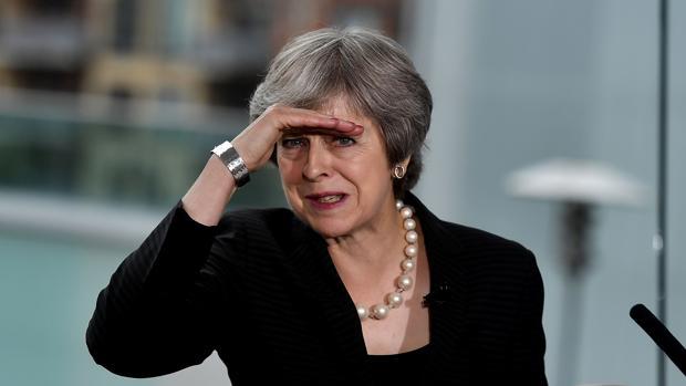 La primera ministra de Gran Bretaña, Theresa May, pronuncia un discurso en Irlanda del Norte