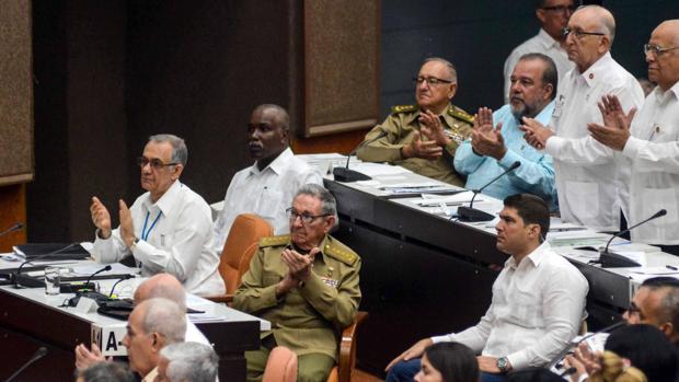Cuba elimina el término «comunismo» de su nueva Constitución y abre la puerta a la propiedad privada