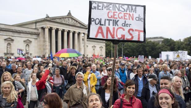 Más de 20.000 manifestantes en Múnich contra los controles fronterizos