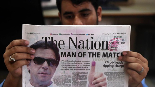 Imnra Khan lidera el recuento provisional en Pakistán