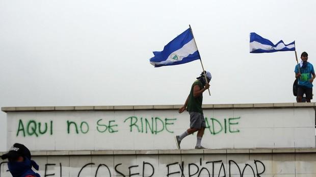 Ortega vuelve a llamar «golpistas» a los obispos y quiere expulsarlos de la mesa de diálogo