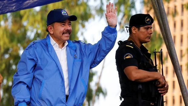 Ortega reconoce 195 muertos y que los encapuchados armados son policías