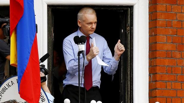 Ecuador busca una salida para Assange que ya pide asilo en Australia