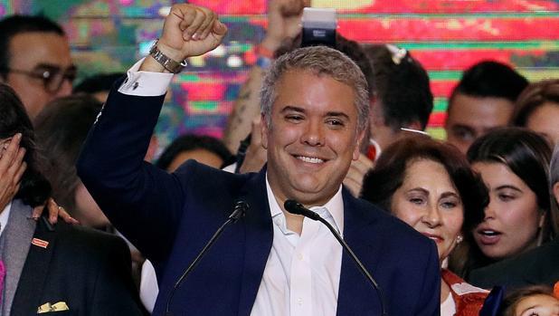 El «atentado» a Maduro enturbia el relevo en la presidencia de Colombia