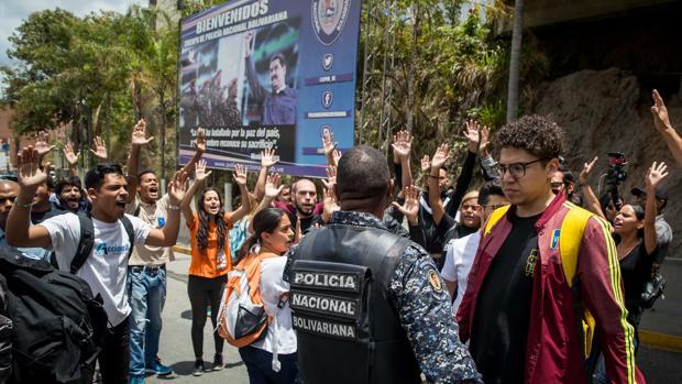 El Tribunal Supremo de Venezuela enjuicia a los diputados Julio Borges y Juan Requesens