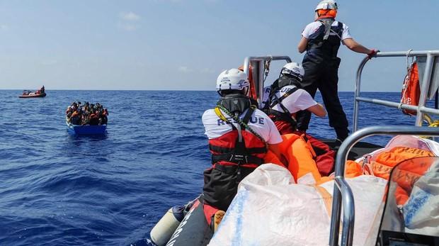 España se une a Malta y rechaza al Aquarius por no ser el puerto cercano