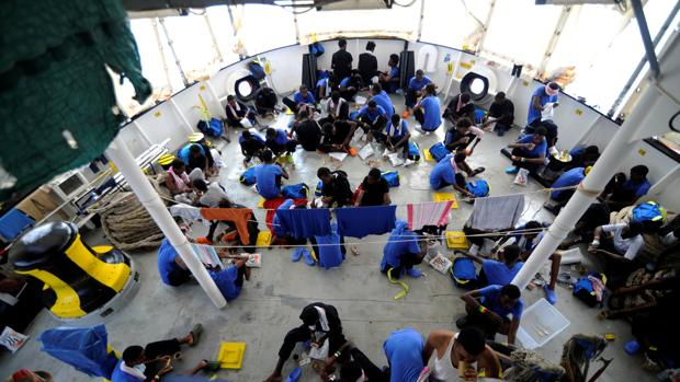 Inmigrantes a bordo del Aquarius