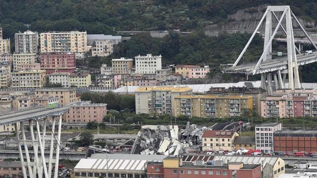 Se suspenden las labores de búsqueda por temor a que se desplome otro pilar del puente de Génova