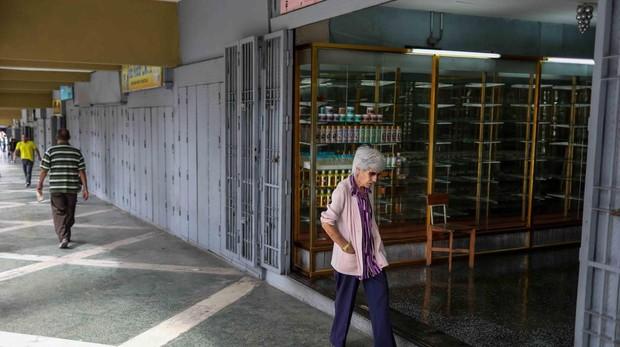 Venezuela fija los precios de 25 productos básicos