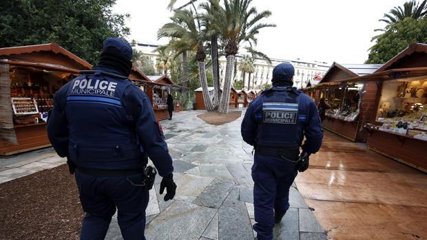Hemeroteca: Un hombre mata a su madre y a su hermana en París al grito de «Alá es grande»   Autor del artículo: Finanzas.com