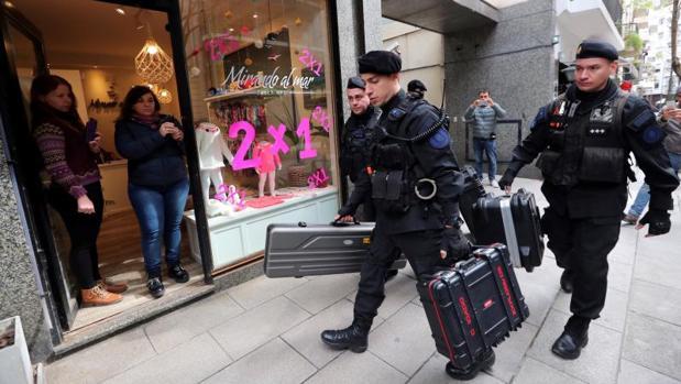 Termina el registro a Cristina Fernández: los agentes revisan la casa donde murió Néstor Kirchner