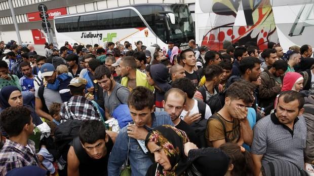 Austria niega asilo político a un refugiado iraquí por sus maneras «demasiado de chica»