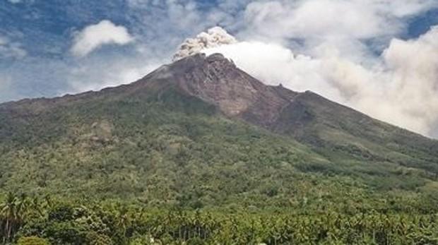 Al menos 2.000 evacuados tras la erupción de un volcán en Papúa Nueva Guinea