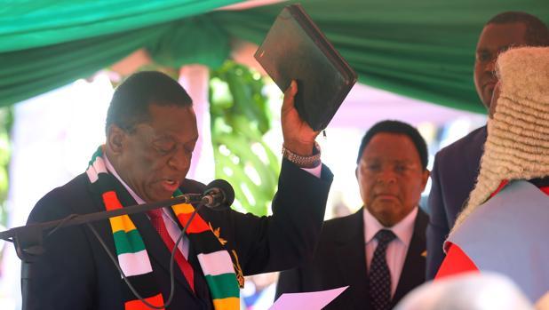 Emmerson Mnangagwa, investido presidente de Zimbabue