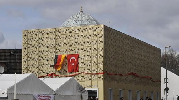 Alemania retira las subvenciones a la asociación de mezquitas turcas