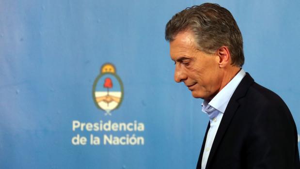 Macri se resigna y le mete el bisturí al Gobierno