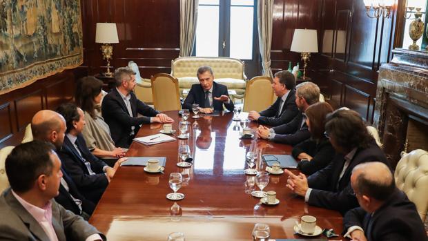 Macri rinde cuentas al FMI para lograr anticipos del crédito