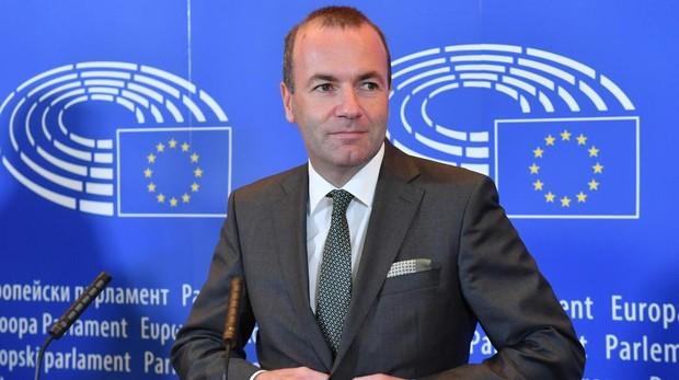 Manfred Weber se postula como sucesor de Jucker a la Comisión Europea