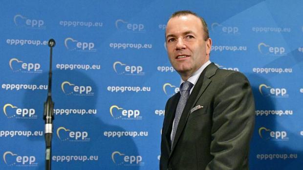 El candidato alemán a presidir la Comisión Europea pide una postura «cristiana» en materia de refugiados