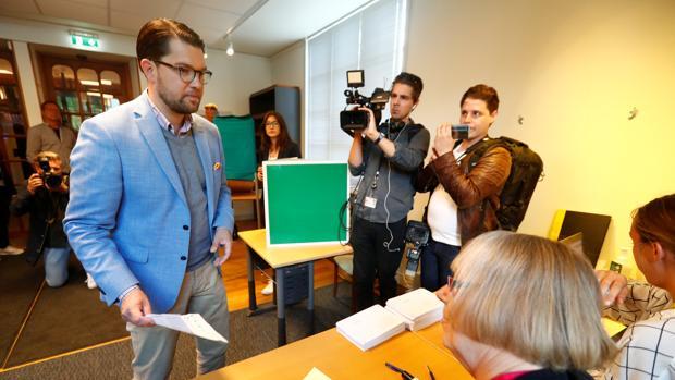 La ultraderecha sube y pugna por el segundo lugar en las elecciones de Suecia, según sondeos a pie de urna