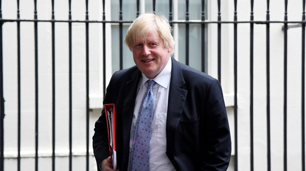 Acusan a May de atacar a Boris Johnson aireando su vida sexual