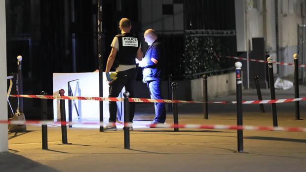 Detenido un afgano por acuchillar a siete personas en París