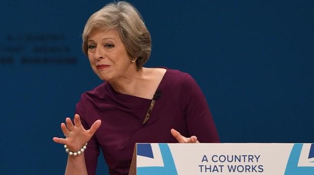 Johnson dirige una revuelta de un grupo de conservadores para echar a May del poder