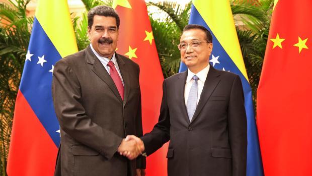 Nicolás Maduro junto al primer ministro chino, Li Keqiang durante su visita en Pekín