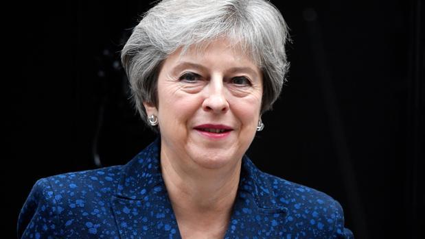 May admite sentirse «irritada» por el debate en torno a su reemplazo como primera ministra