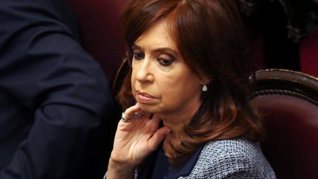 El juez procesa y pide prisión preventiva para Cristina Kirchner por soborno