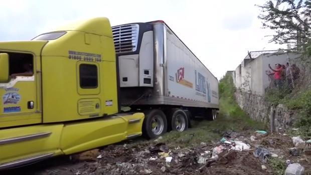 El camión frigorífico abandonado con los cadáveres en México