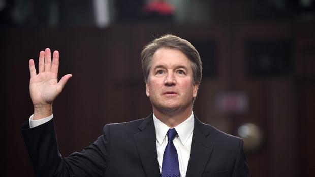 La mujer que acusa al candidato de Trump al Supremo testificará en su contra