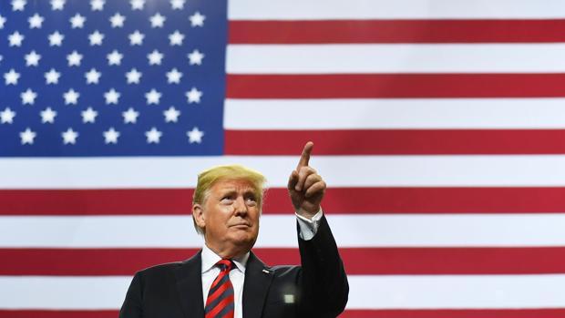 Trump sopesa otra purga en su Gobierno ante los planes de inhabilitarle