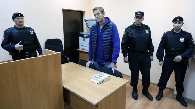 Navalni, detenido de nuevo nada más salir de la cárcel y condenado a otros 20 días